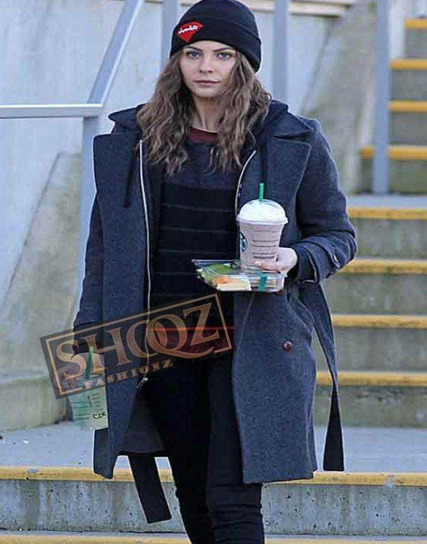 Arrow Willa Holland Blue Coat