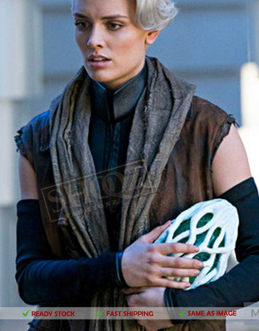 Nyssa Vex Krypton Costume And Scarf